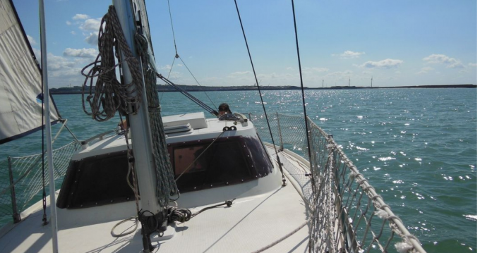 Sailboat for rent Gravelines at the best price