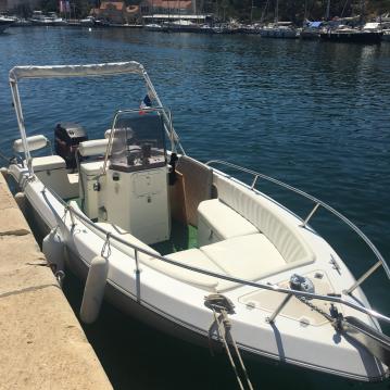 Boat rental Agay cheap Sharck