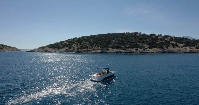 Rental yacht Agios Nikolaos - Chaparral 255 on SamBoat
