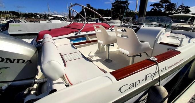 Boat rental Cap-Ferret 550 sun deck in Trébeurden on Samboat