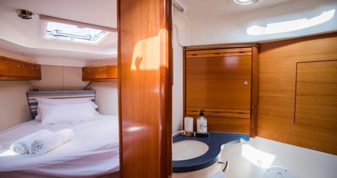 Rental Sailboat in Alicante - Bavaria Bavaria 40 Cruiser