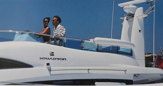 Rental Motorboat in Beaulieu-sur-Mer - Fairline Squadron 52