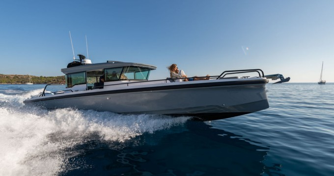 Motorboat for rent Athens at the best price