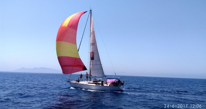 Sailboat for rent Heraklion at the best price