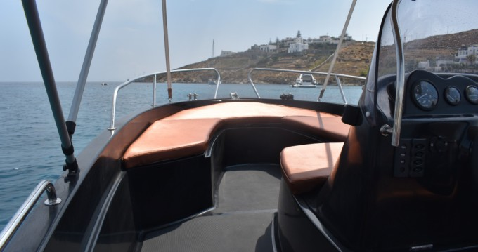 Hire Motorboat with or without skipper LA boat black edition Mykonos (Island)