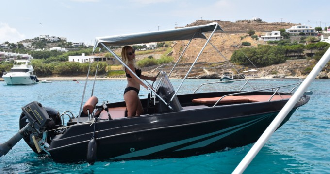 Rent a LA boat black edition 4.80 Mykonos (Island)