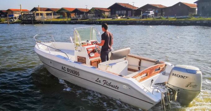 Rental Motorboat Capelli with a permit