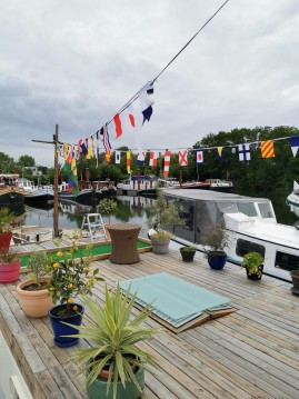 Hire Canal boat with or without skipper Peniche Paris