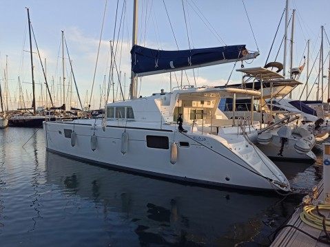 Rental Catamaran in Le Marin - Lagoon Lagoon 440
