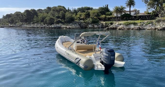 Boat rental Zodiac Medline 650 Neo in Antibes on Samboat