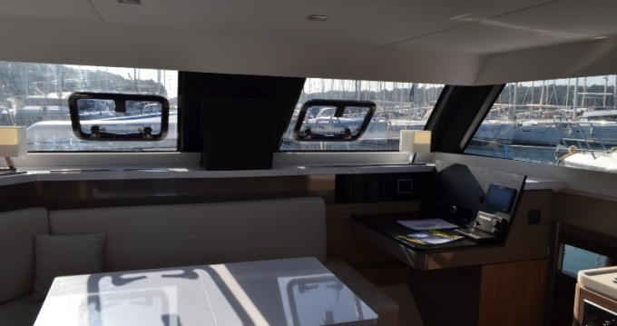Rental Catamaran in Veruda -  Aventura 34