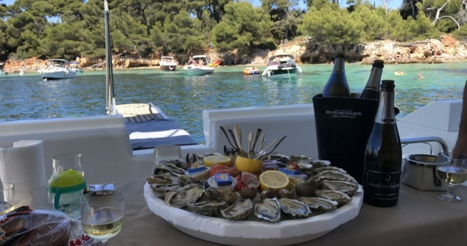 Rental yacht Cannes - Azimut Azimut 43 Fly on SamBoat