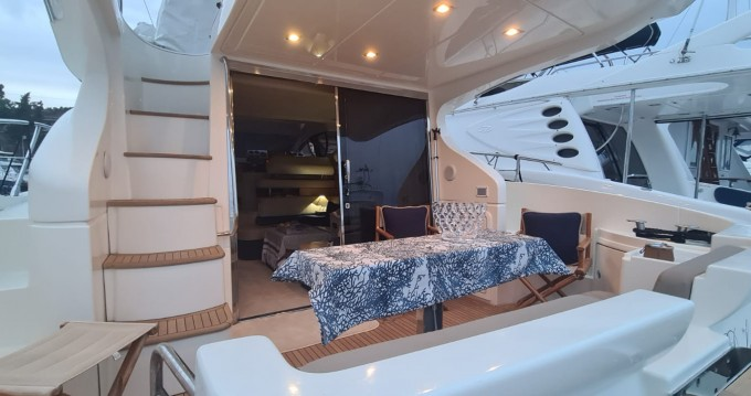 Boat rental Cannes cheap Azimut 43 Fly