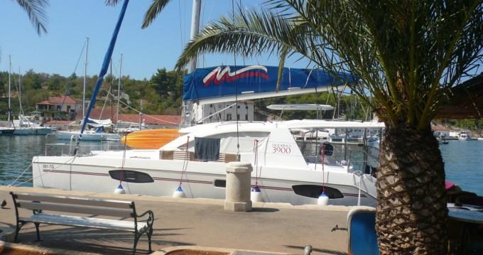 Boat rental Port de Sète cheap Leopard 39