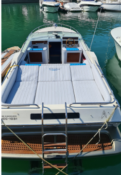 Motorboat for rent Pisogne at the best price