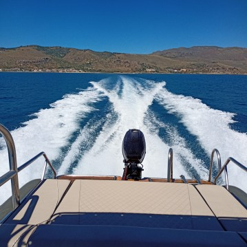 Hire RIB with or without skipper Fost Chania