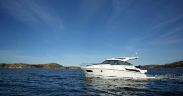 Rental Motorboat Grandezza with a permit