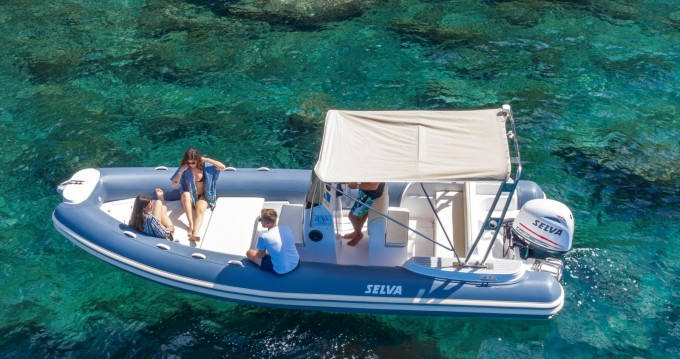 Rental yacht Sorrento - Selva Selva 680 on SamBoat