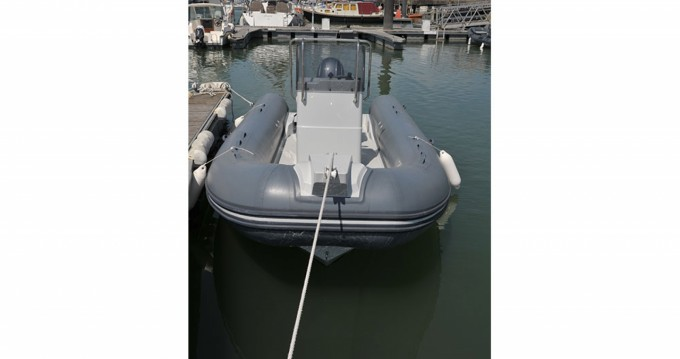 Boat rental Capelli Tempest 560 Easy in Cannes on Samboat