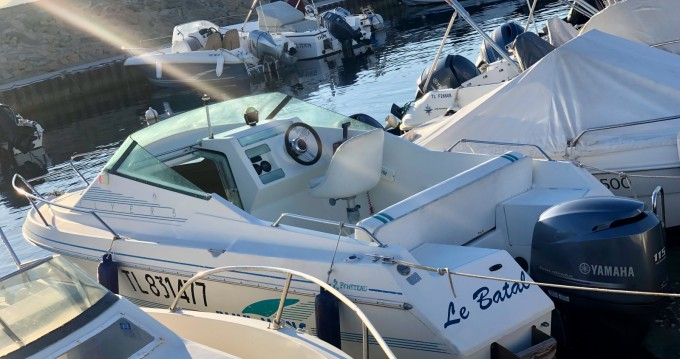 Motorboat for rent Six-Fours-les-Plages at the best price