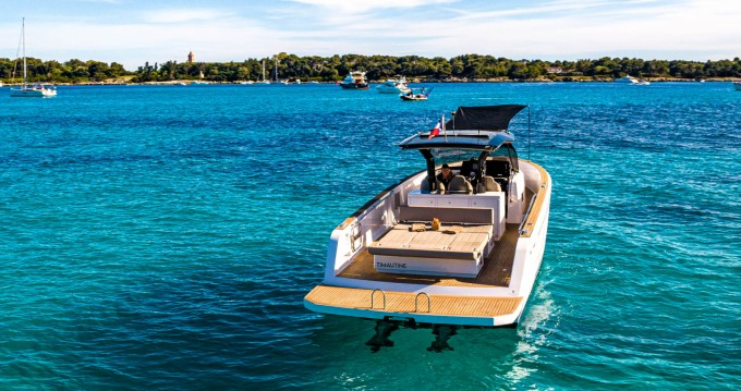 Hire Motorboat with or without skipper Pardo Yachts Cannes