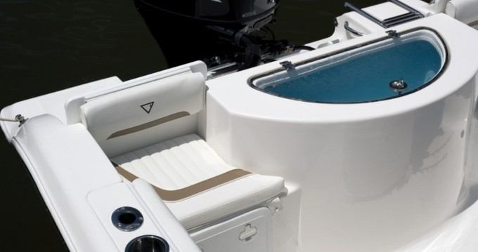 Boat rental Port-Joinville cheap 216 cc