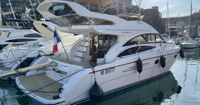 Rent a Princess Princess P42 Cannes