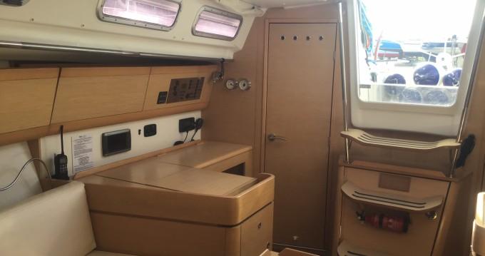 Rental yacht Port du Crouesty - Bénéteau First 40 on SamBoat