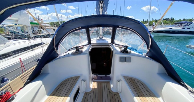 Dufour Dufour 325 GL between personal and professional Portorož