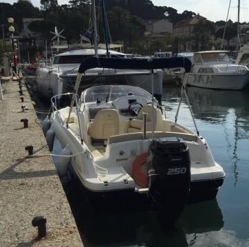 Boat rental Port de Hyères (St Pierre) cheap Cap Camarat 715 WA