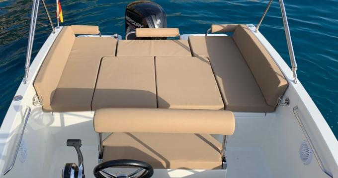 Boat rental Nuva Nuva M6 in Port d'Andratx on Samboat