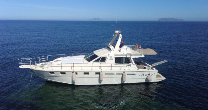 Motorboat for rent Marsala at the best price