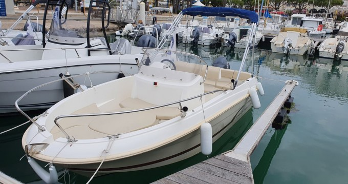 Boat rental Mauguio cheap Cap Camarat 5.1 CC