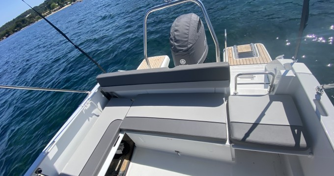 Hire Motorboat with or without skipper Jeanneau Fréjus