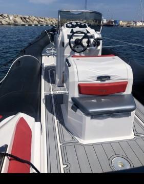 Rental RIB in Old Port of Marseille - Ranieri Cayman 26 Sport