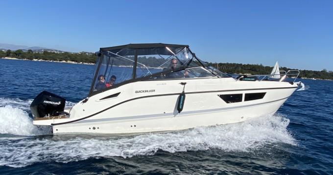 Boat rental Quicksilver Activ 805 Cruiser in Mandelieu-la-Napoule on Samboat