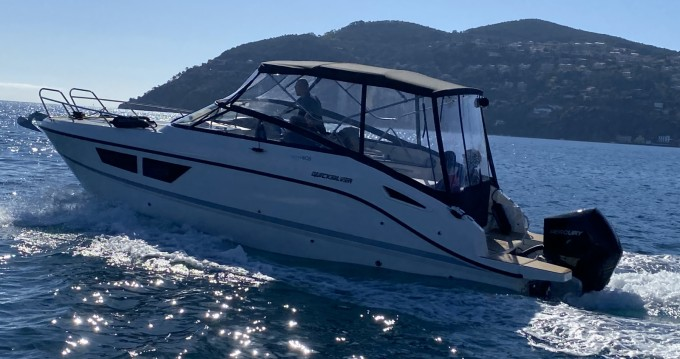 Quicksilver Activ 805 Cruiser between personal and professional Mandelieu-la-Napoule