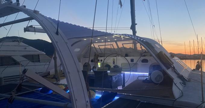 Rental Catamaran kellsal with a permit