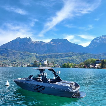 Rental Motorboat in Annecy - ATX Shadow Edition 22 type S