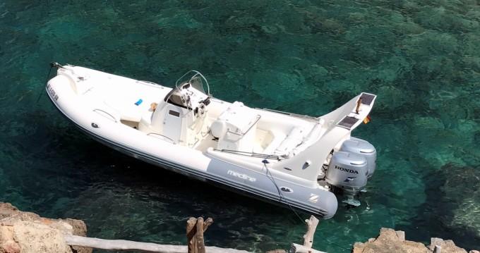 Boat rental Zodiac Medline 3 in Port de Sóller on Samboat