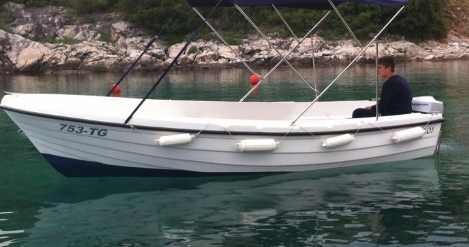 Rental yacht Okrug Gornji - HM 45 on SamBoat