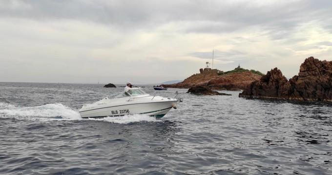 Boat rental Jeanneau Leader 605 in Saint-Raphaël on Samboat