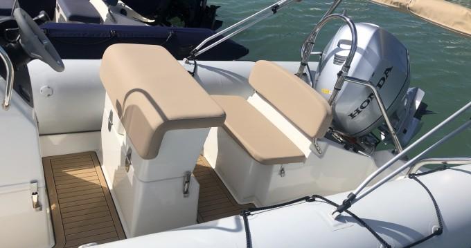 Rental yacht La Rochelle - Bombard Sunrider 650 on SamBoat