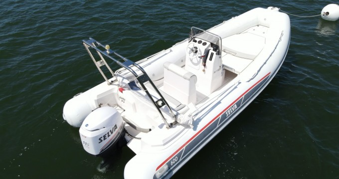 Boat rental Grand Piquey cheap Selva D600