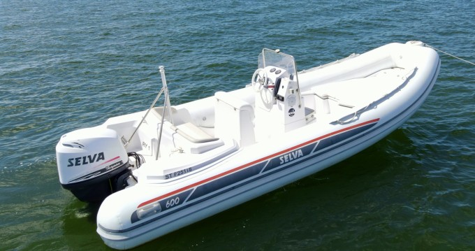 Rental yacht Grand Piquey - Selva Selva 600 on SamBoat