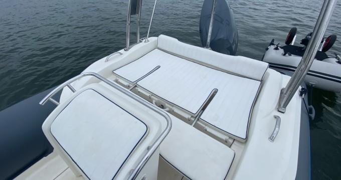 Boat rental Nuova Jolly King 670 Exclusive in Lège-Cap-Ferret on Samboat
