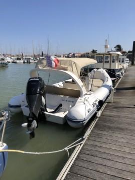 Rental RIB in Saint-Gilles-Croix-de-Vie - Black Fin Blackfin 25 Elegance