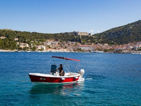 Rental Motorboat in Hvar - Betina 490