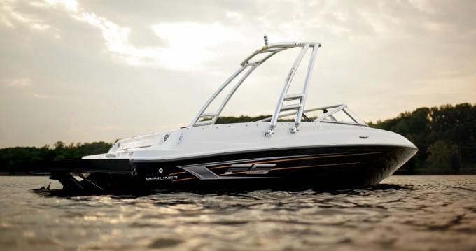Rental Motorboat in Annecy - Bayliner Bayliner 175 BR