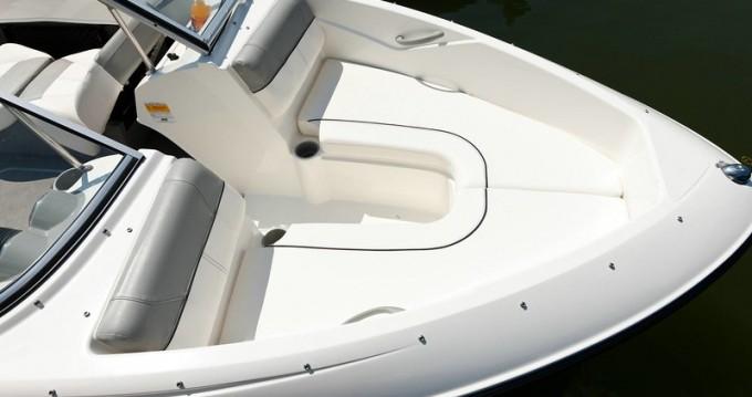 Boat rental Bayliner Bayliner 175 BR in Annecy on Samboat